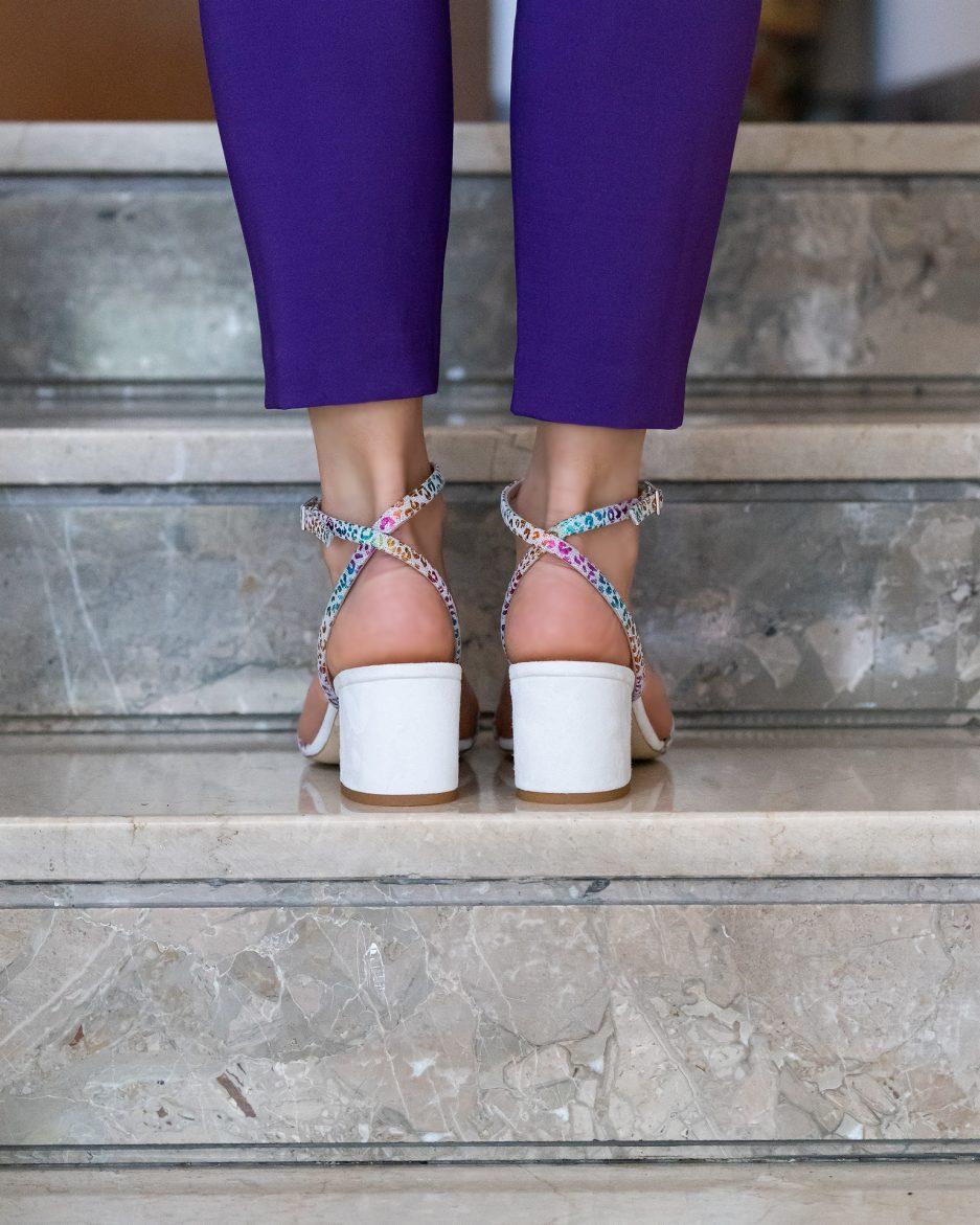 sandali colorati tacco basso